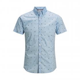 JACK&JONES Camisa Azul claro 12171167 PTKDEK FIGURATIVE MINI AOP SHIRT SS HE CHAMBRAY BLUE